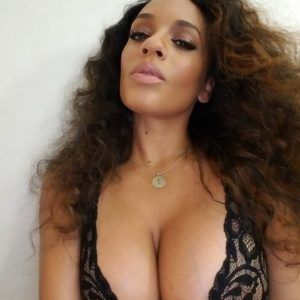 Hot of naked black woman pussy