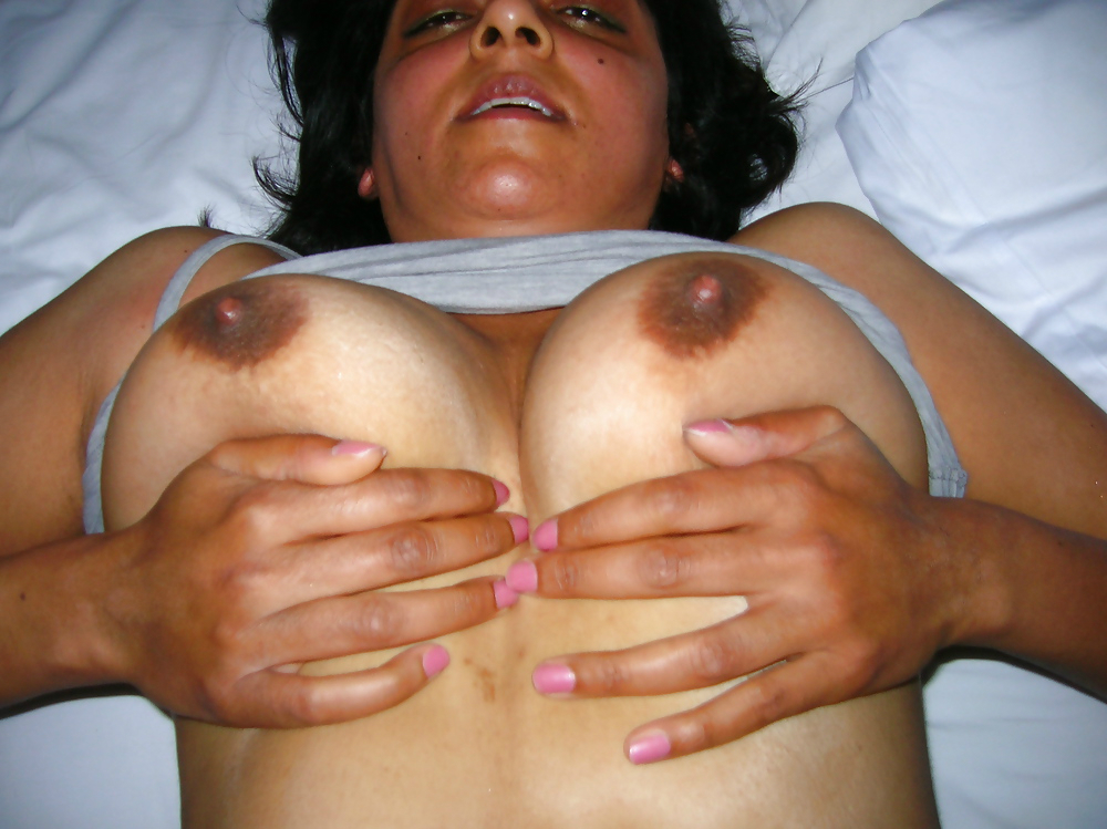 Indian mature aunty hot images