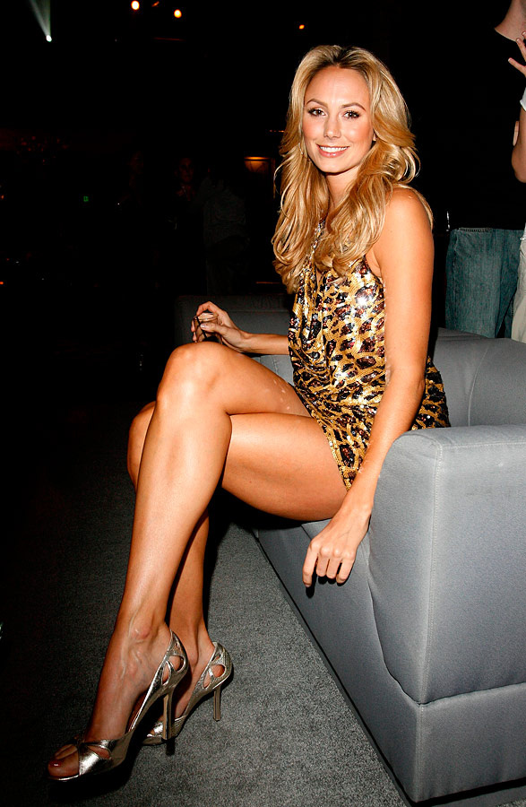 Mature women with nice legs