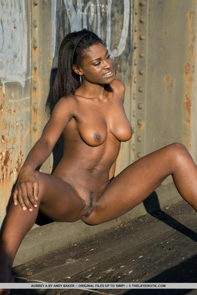 Xxx ebony girl nudes