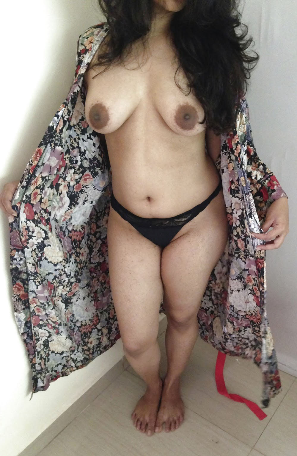 Real desi wife nude sex