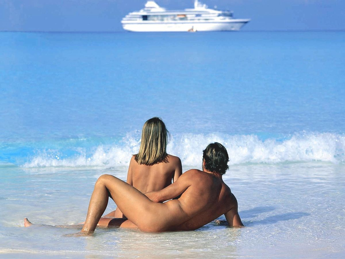 Girl hot naked couples on beach