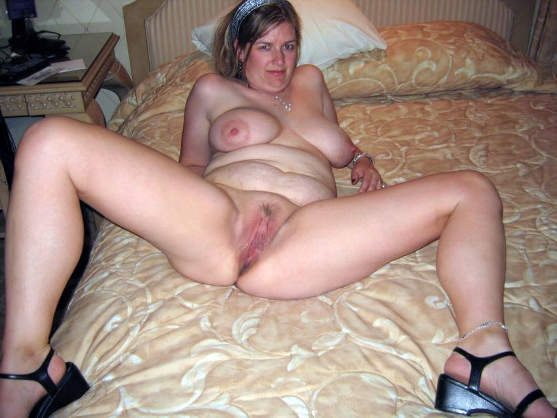 Mature amateur wife pussy