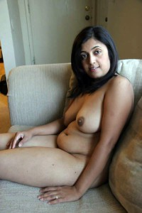 Indian aunties sitting nude pics