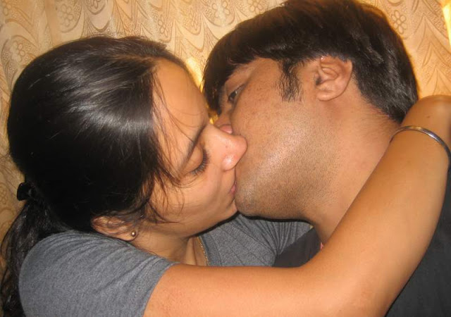 Desi indian kissing and fucking