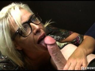 Mature mom pays debt sex