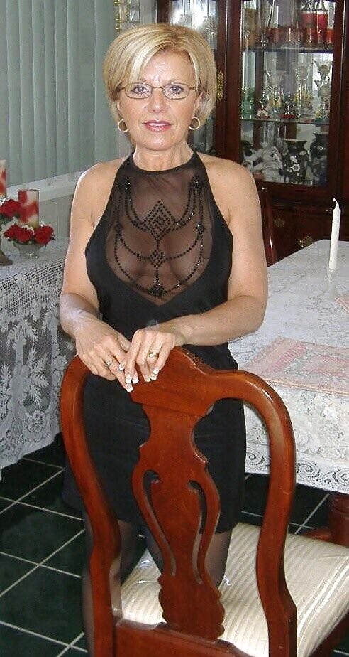 Amateur mature wife with glasses