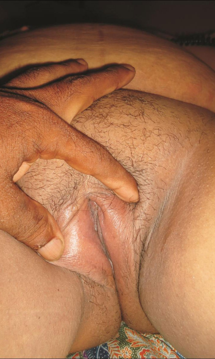 Indian fat aunty close pussy