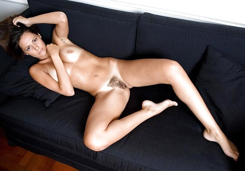 Angie harmon nude fakes ass