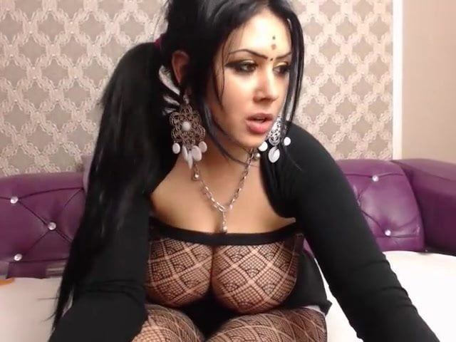 Pictures girls arab big tits