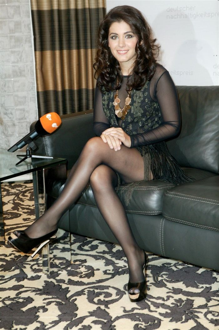 Girls wearing sexy nylons