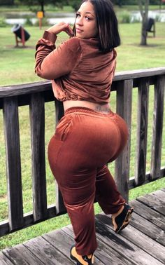Beautiful latina women with huge curvy ass