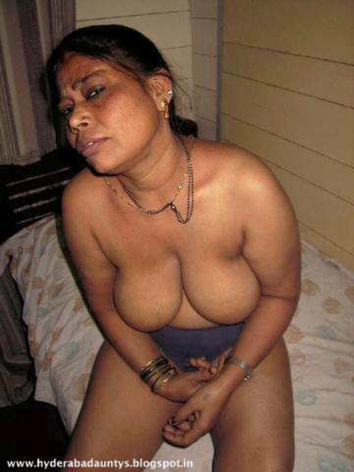 Aunty nude sex pic latest