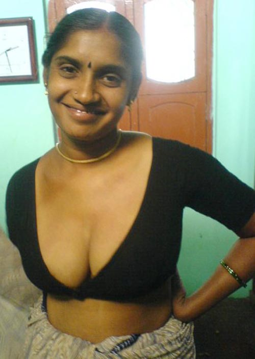 South indian aunty model hd sexy image