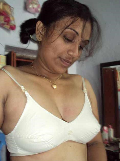 Desi real nude photos