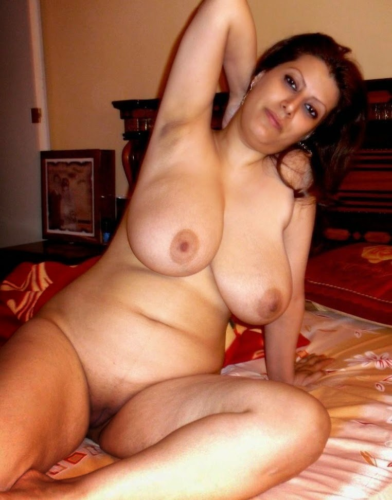 Hot indians and arabs curvacious and nude