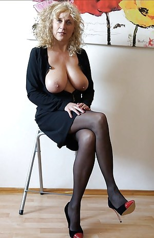 Free porn milf mature gallery