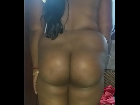 Indian aunty showing up pussy