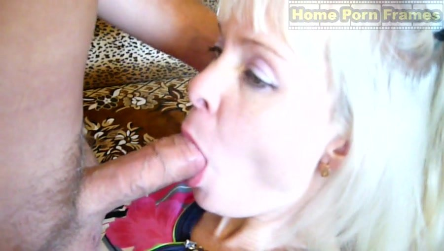 Amateur natural blonde hairy pussy